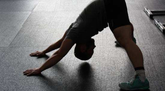 athlete exercise fitness stretching / image credit: pixabay.com
